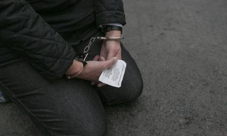 """No Irã, os cristãos costumam ser presos e condenados por """"crime"""" contra a segurança nacional (foto representativa)"""
