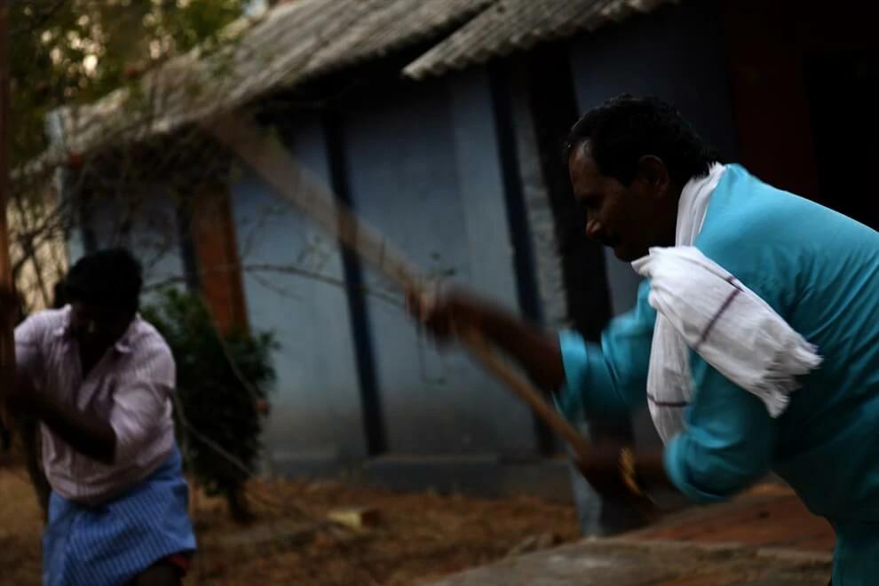 Famílias cristãs são agredidas por extremistas hindus no interior da Índia (foto representativa)