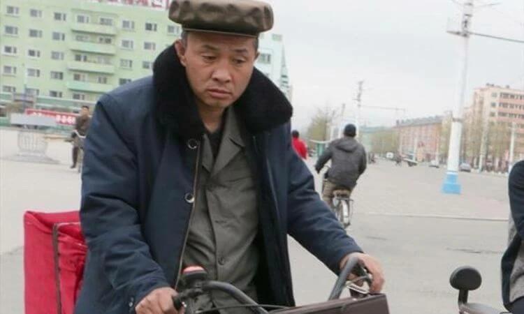 População da Coreia do Norte enfrenta o coronavírus e as consequências dele, como o aumento de preços de itens de alimentação