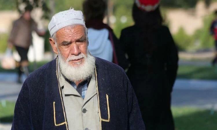 Após perseguir o irmão por 20 anos, muçulmano fica doente e abre o coração para ouvir sobre o evangelho (foto representativa)