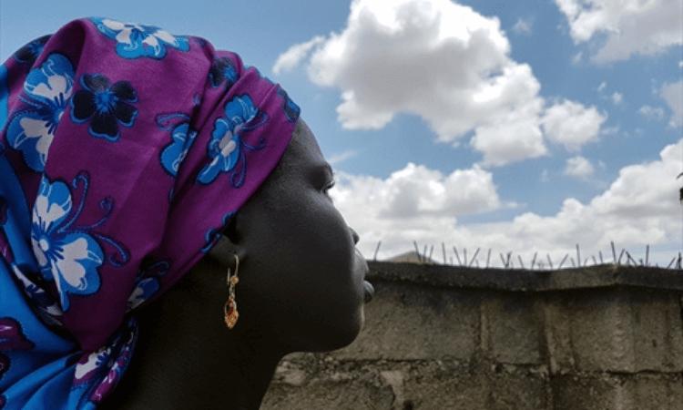 Na Nigéria, Ruth foi sequestrada pelo Boko Haram e teve dois filhos com um soldado extremista. Mas conseguiu fugir e ter a vida restaurada por Deus