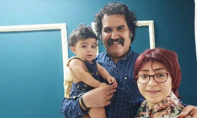 Sam Khosravi e Maryam Falahi estavam casados há 13 anos quando adotaram Lydia no Irã (foto: Article18)