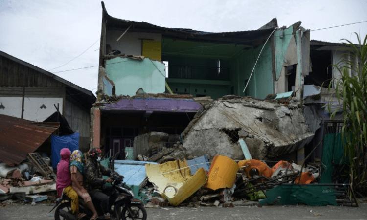 As filhas do parceiro saíram com vida dos escombros, mas a esposa não resistiu e faleceu na Indonésia (foto: AntaraNews)